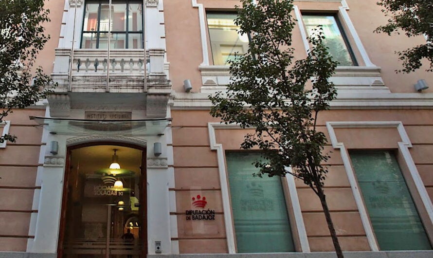 Admitidos definitivos y fecha defensa memoria varias Jefaturas concurso méritos Diputación Badajoz